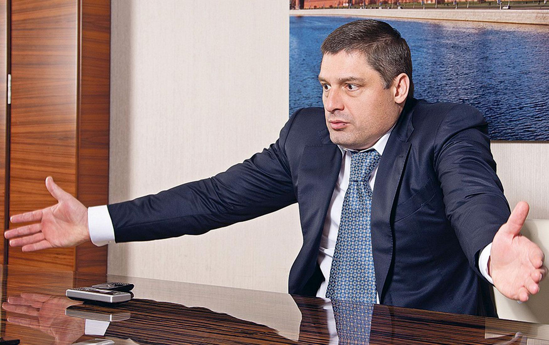 С вещами на выход: восемь российских бизнесменов покинули глобальный рейтинг Forbes