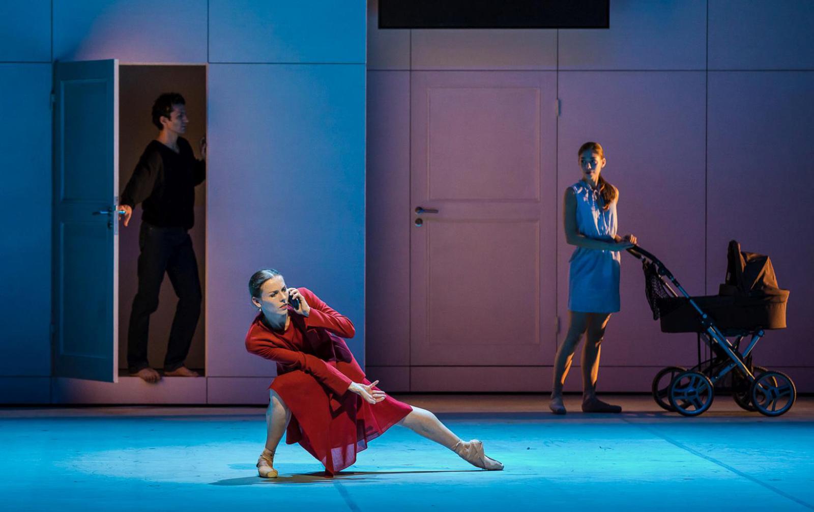 Сколько стоит балет «Анна Каренина» в Большом:  зачем Левину трактор за 2 млн рублей