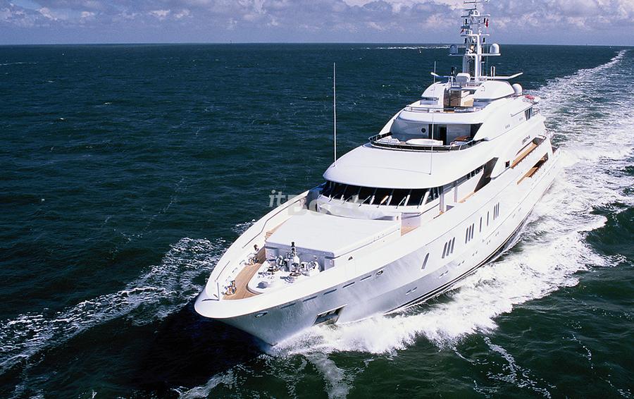 Серийные яхтовладельцы: как растут амбиции и лодки миллиардеров