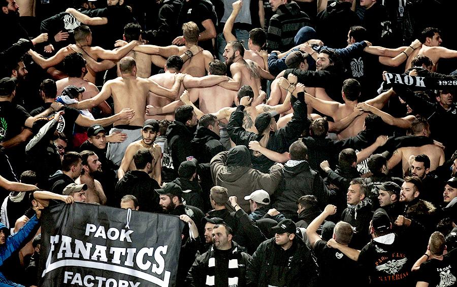 Фанаты футбольного клуба РАОК страстно болеют за любимую команду