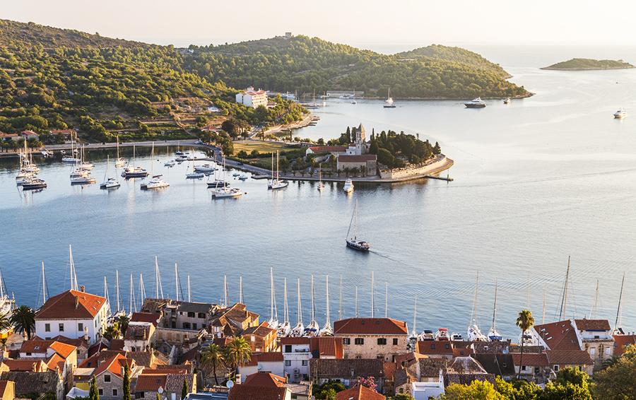 Хорватия, остров Вис, где осенью 2017 года пройдут съемки продолжения мьюзикла Mamma Mia: Here We Go Again!