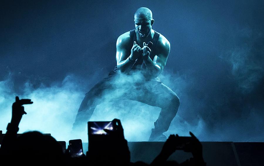 Канадский рэпер Дрейк (№4 в рейтинге знаменитостей американского Forbes, $94 млн). Его альбом Views стал первым получившим 1 млрд прослушиваний на Apple Music