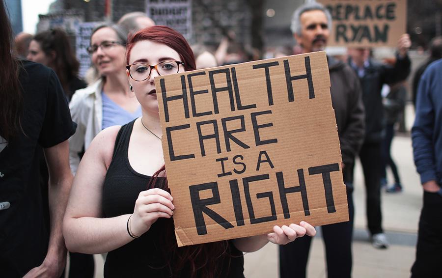 Трампу не удалось выполнить обещание о реформе Obamacare. Его не поддержала не только общественность, но и собственная партия