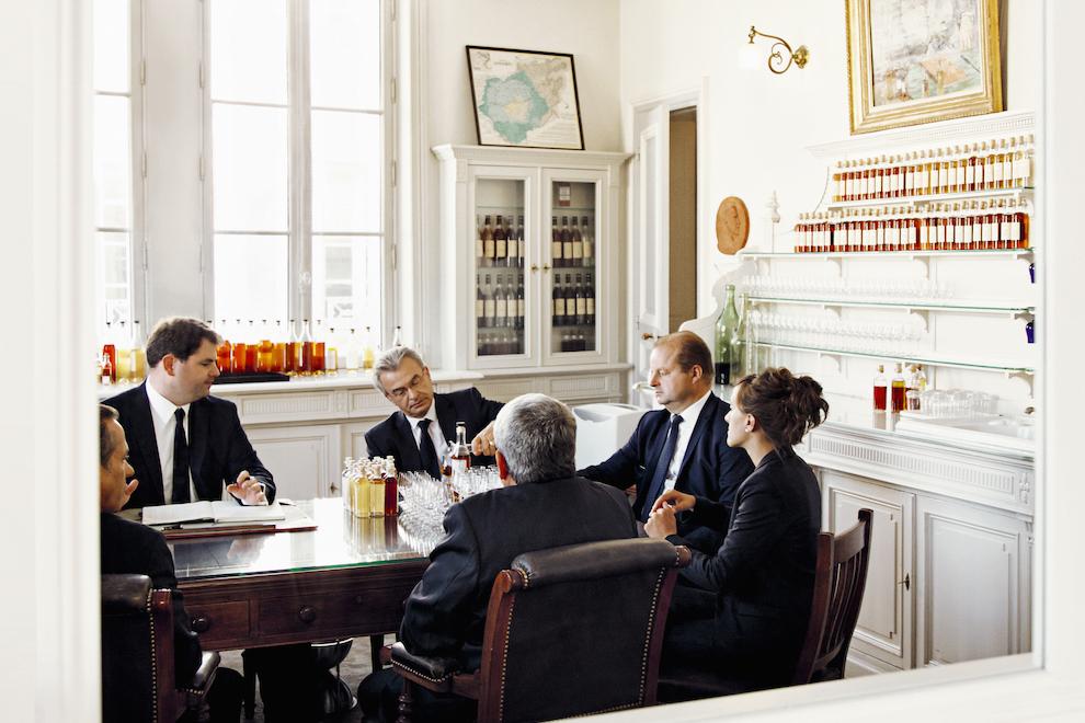 Заседание дегустационного комитета в штаб-квартире Hennessy