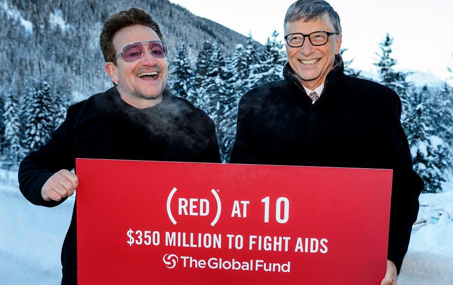 Боно и Билл Гейтс в рамках благотворительного мероприятия RED