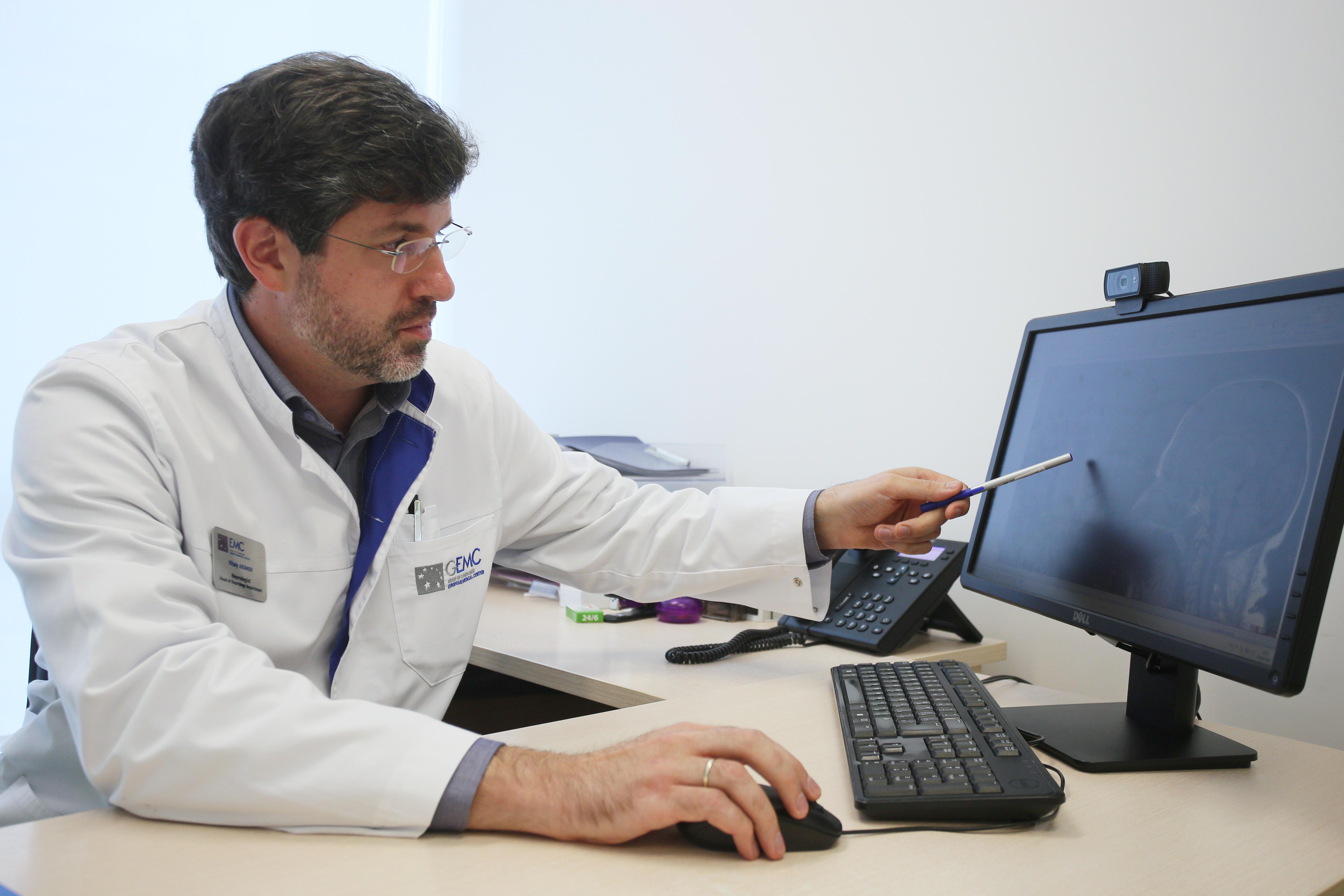 Виталий Акимов, руководитель отделения неврологии Европейского медицинского центра (EMC)