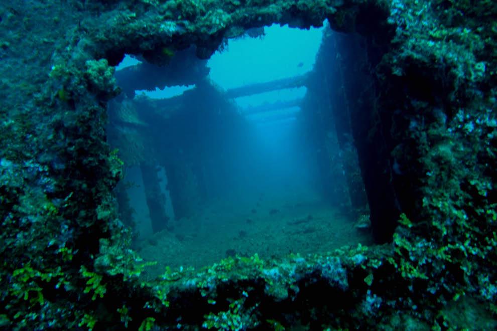 Затопленный корабль «ТокаиМару»