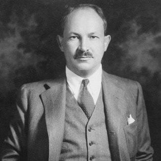 В 1936 году компания получает название Cargill Incorporated, а Джон Макмиллан-ст. оставляет пост президента компании и становится председателем правления. Президентский пост занимает его сын Джон Макмиллан-мл.