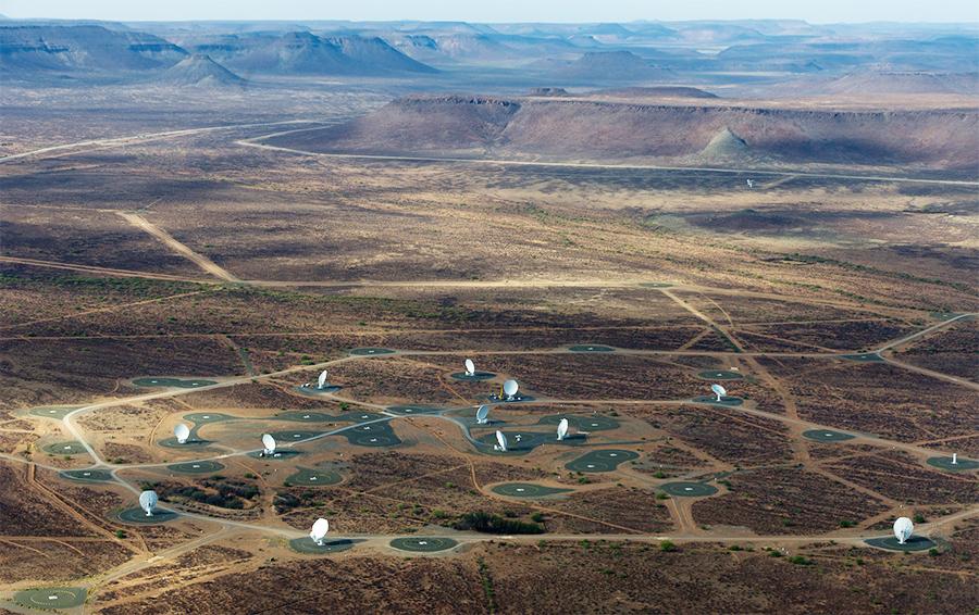 Ядро телескопа MeerKAT в ЮАР. Фото с высоты птичьего полета