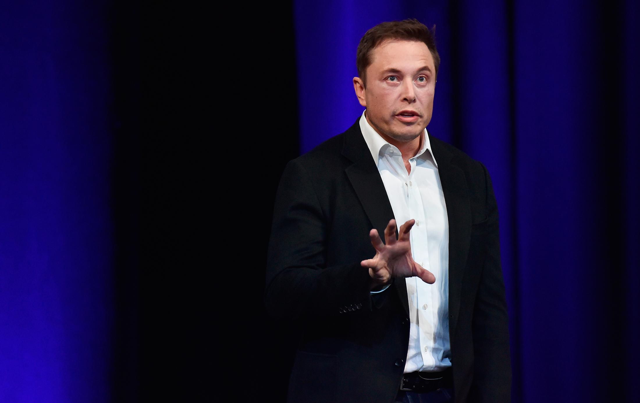 Игра ва-банк. Почему Илон Маск отказался от вознаграждения в Tesla