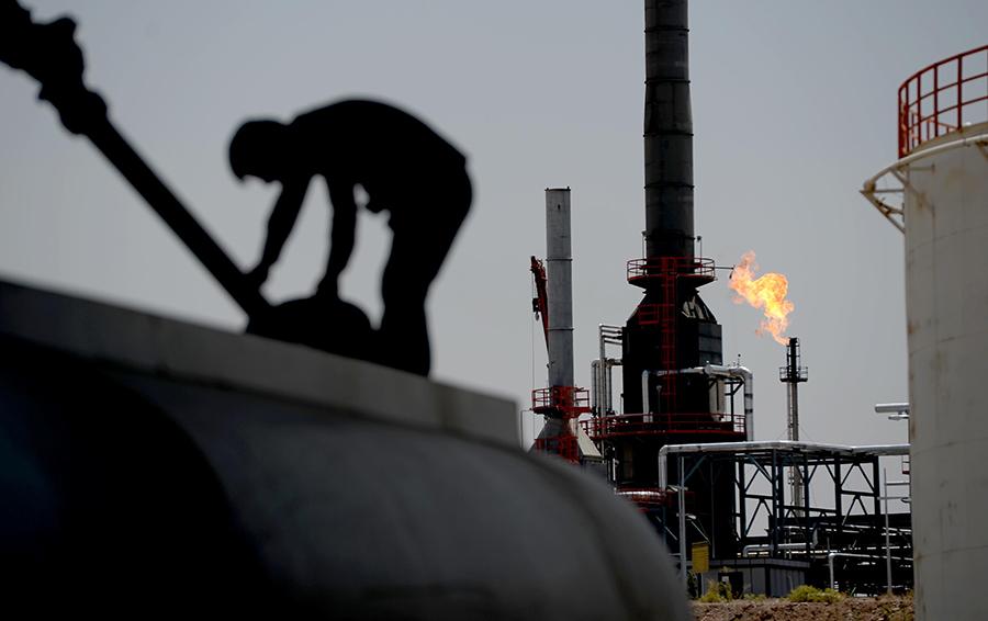 Натуральный обмен. Зачем Россия импортирует нефть из Ирана