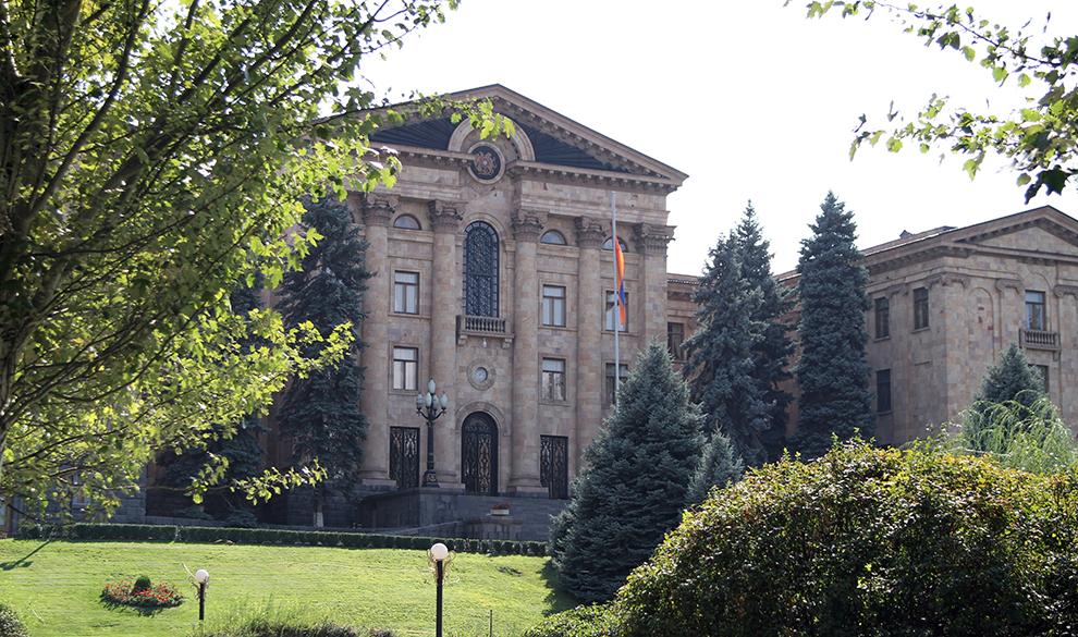 Вечный зов: как Варданян, Карапетян и другие российские миллиардеры могут повлиять на выборы в Армении