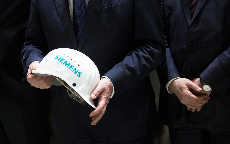 Хроника «обмана». Forbes выяснил, как Siemens планирует вернуть турбины из Крыма