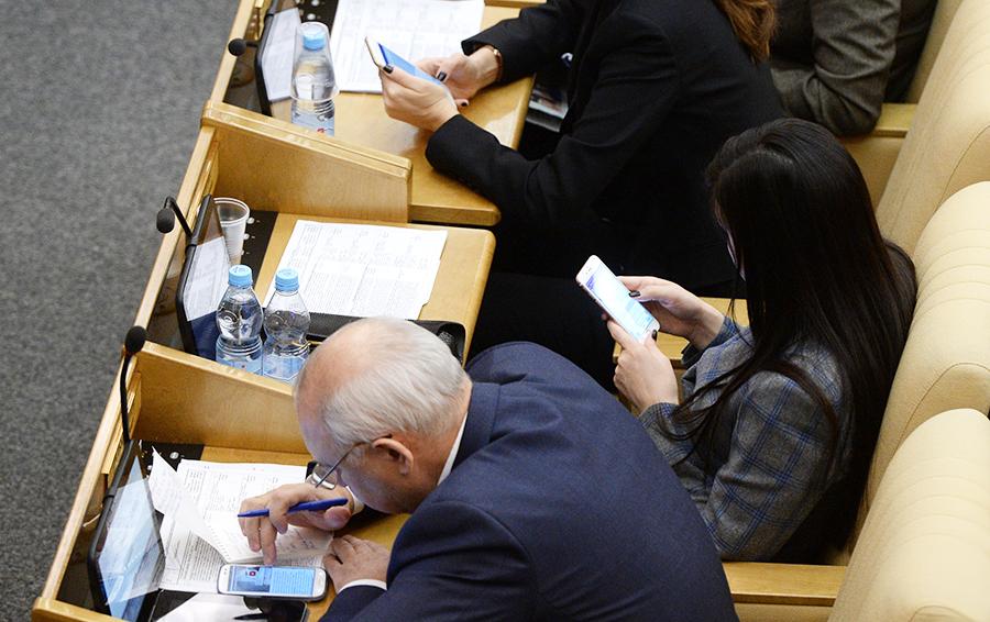 «Под колпаком у Мюллера»: зачем российскому государству свой мессенджер