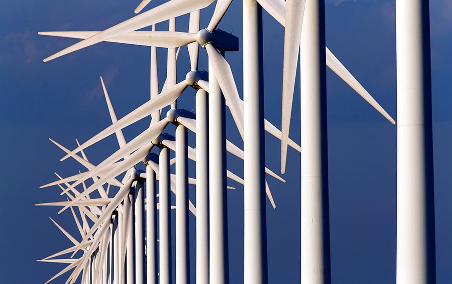 Сила солнца и ветра: возобновляемые источники энергии впервые опередили атомную энергетику в США