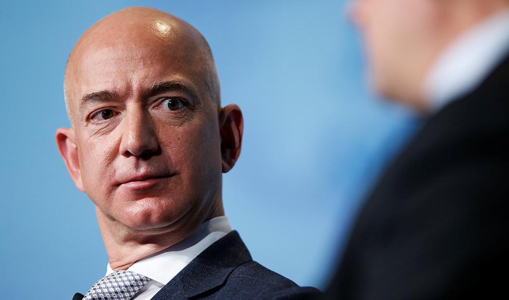 Джефф Безос впервые вошел в тройку богатейших людей по версии Forbes