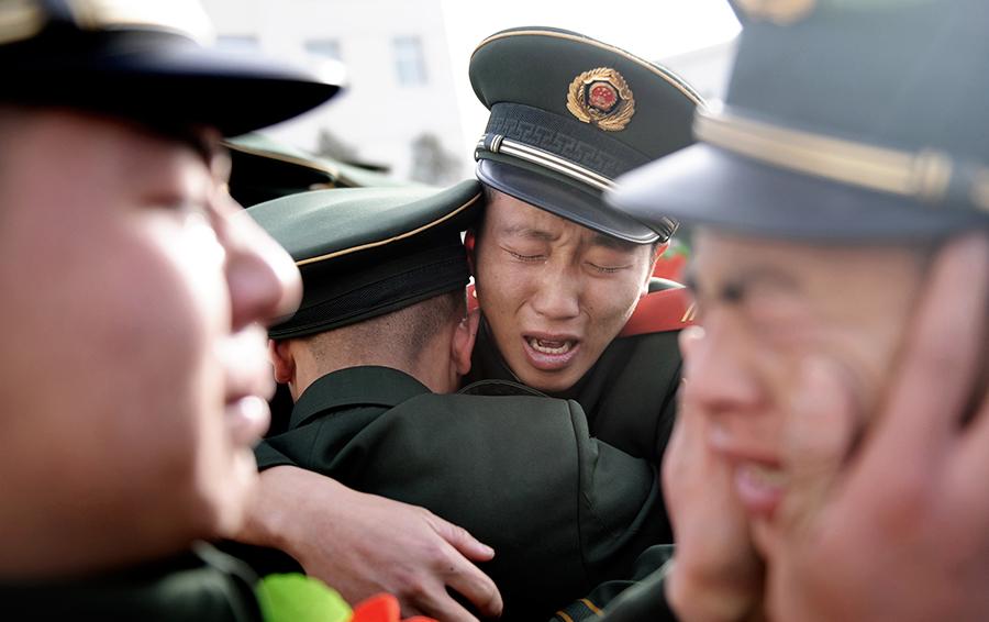 15 фактов о Китае: мужские объятия, слезы, красота  и палочки