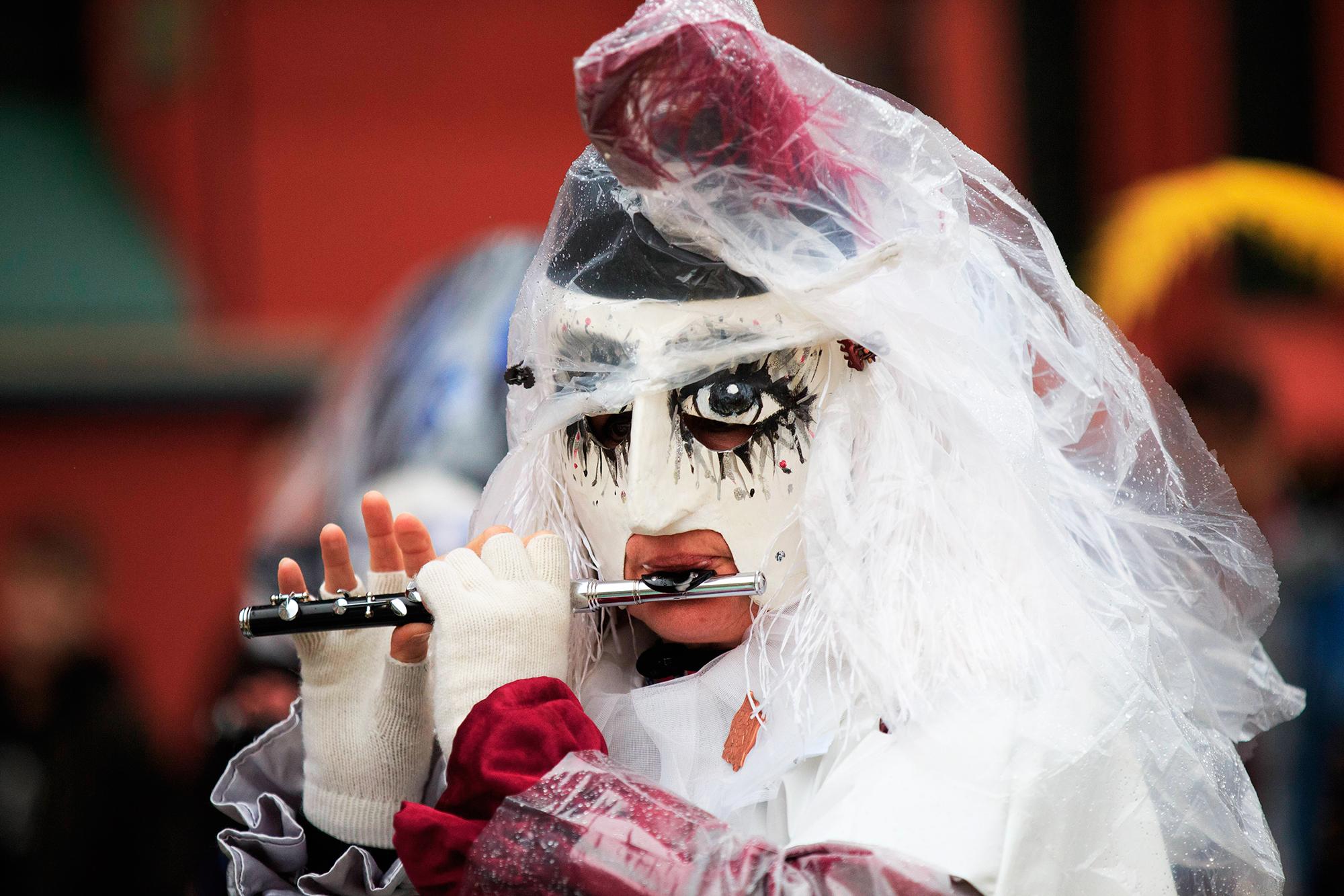 Вакханалия под защитой ЮНЕСКО: карнавал в Базеле стартует в 4 утра