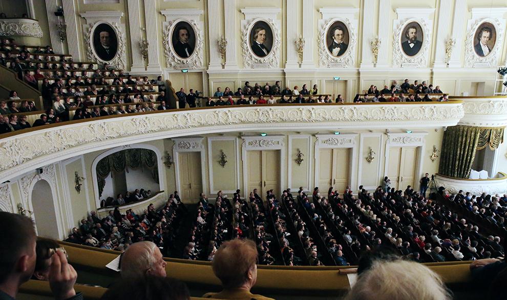 Музыка и $63 млрд: два события в Москве с участием богатейших России и Франции