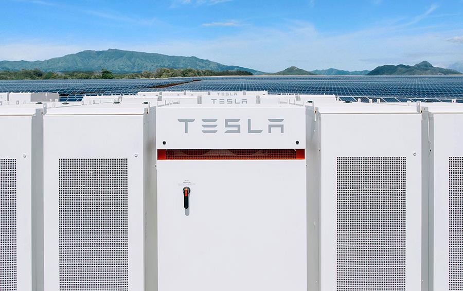 Миллиардер Илон Маск на спор установил в Австралии крупнейшую в мире батарею