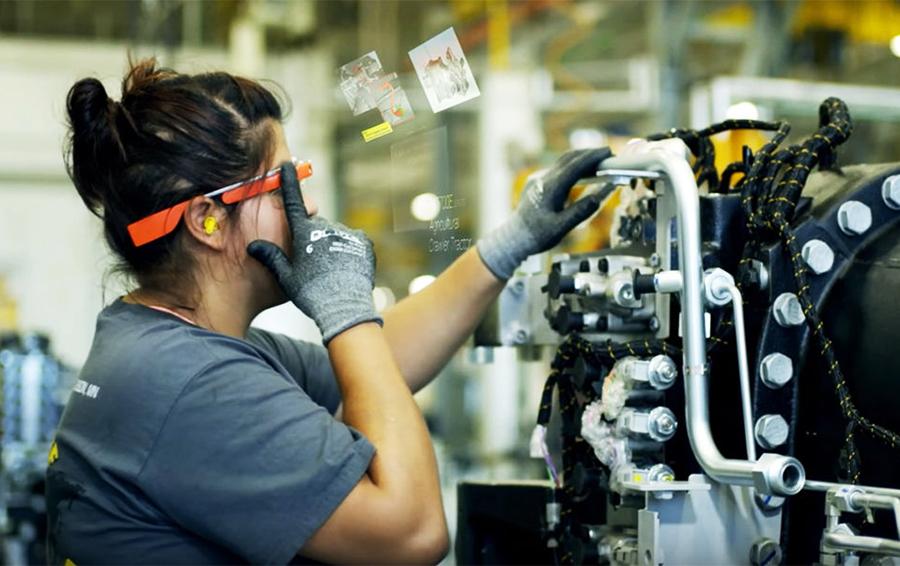 Google Glass вернулись: Alphabet показала версию очков для крупного бизнеса