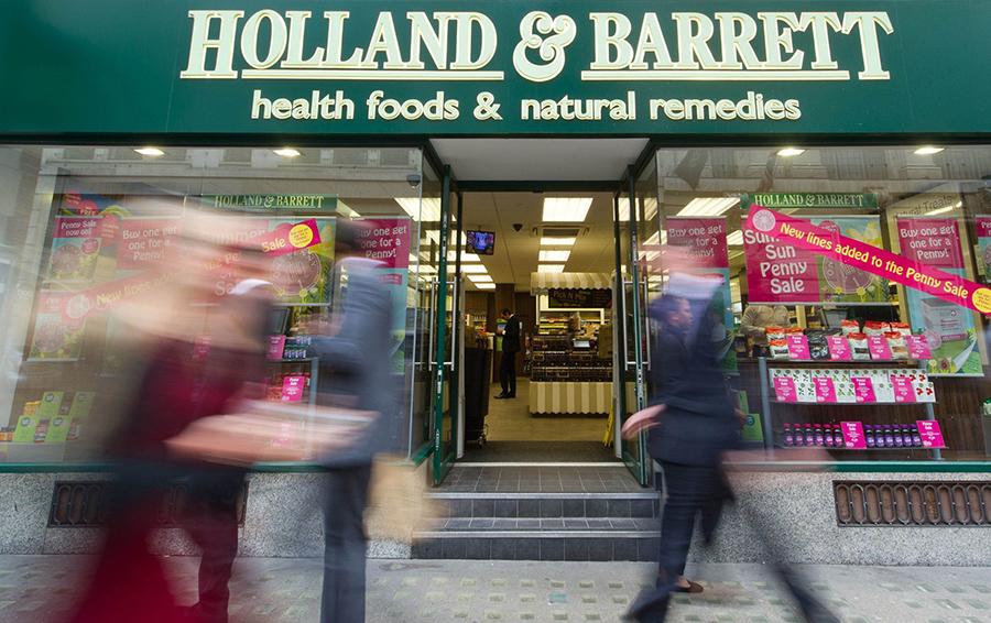 Михаил Фридман купит сеть магазинов здорового питания за £1,8 млрд