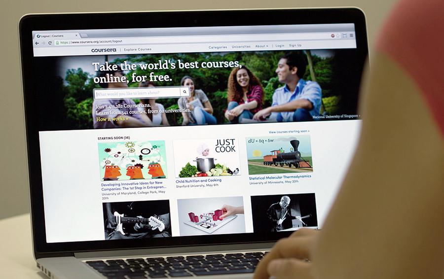 Деньги за знания: российские организации заработали на онлайн-курсах Coursera