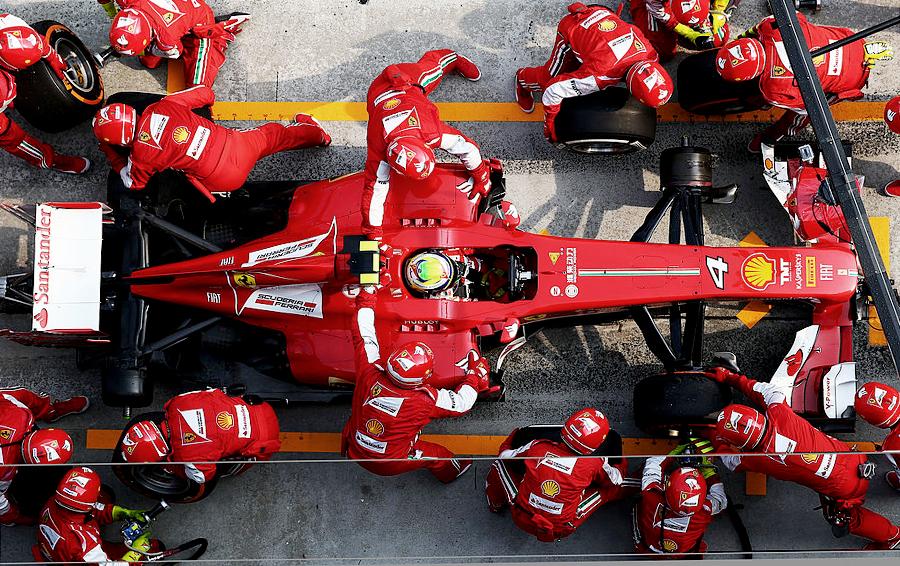 Вписаться в поворот: как миллиардеры зарабатывают на «Формуле-1»