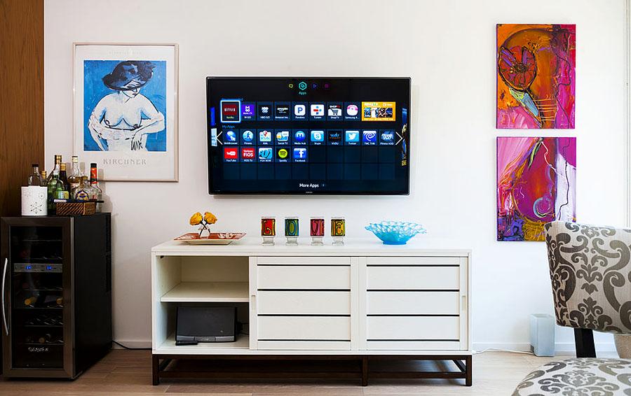 Голосовой поиск, второй экран, дополненная реальность — что меняет рынок Smart TV?