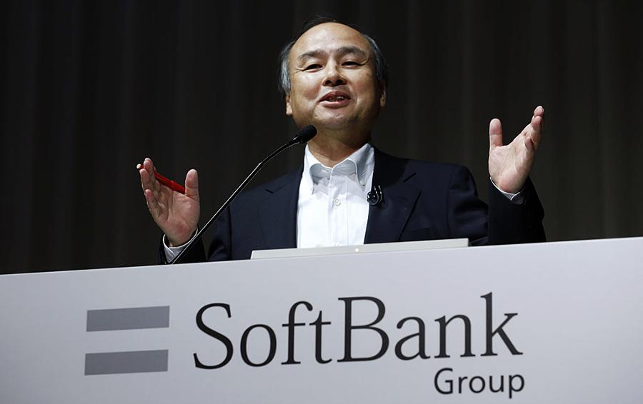 Самый богатый человек Японии надеется на инвестиции Уоррена Баффета