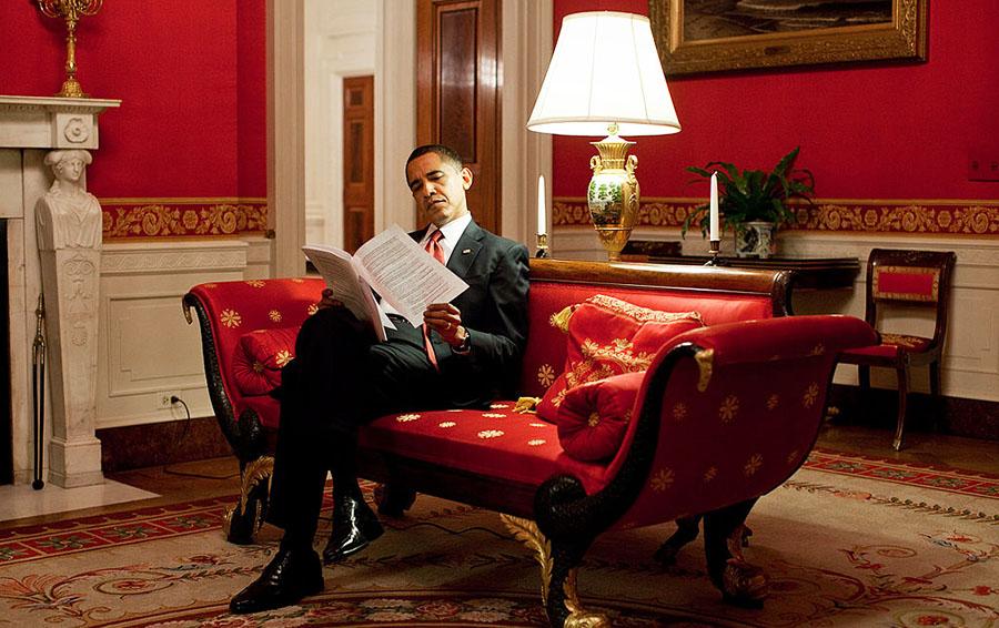 Бомба Обамы: экс-президент США приказал внедрить кибероружие в инфраструктуру России