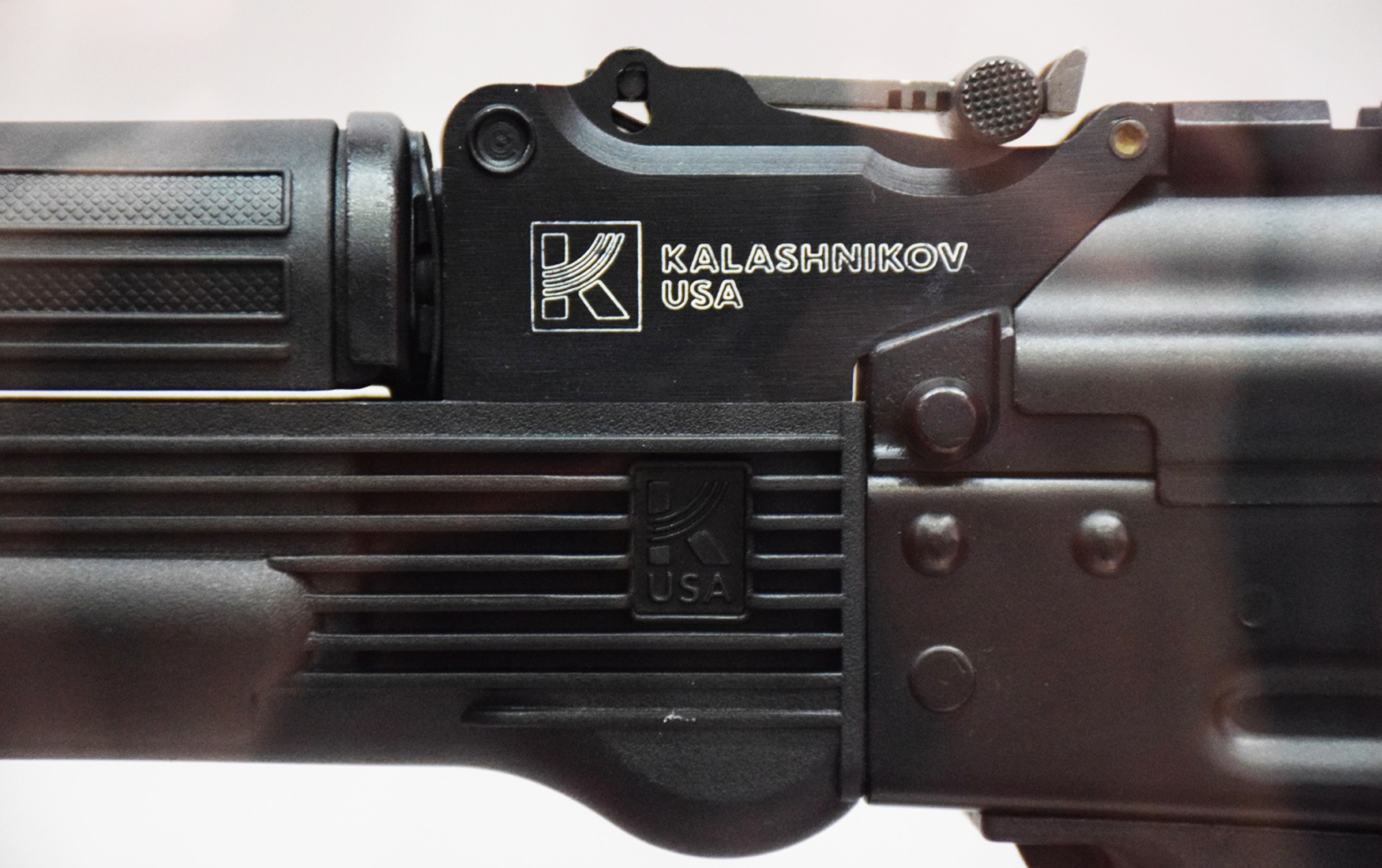 След Путина: власти США начали расследование против производителя АК-47 во Флориде