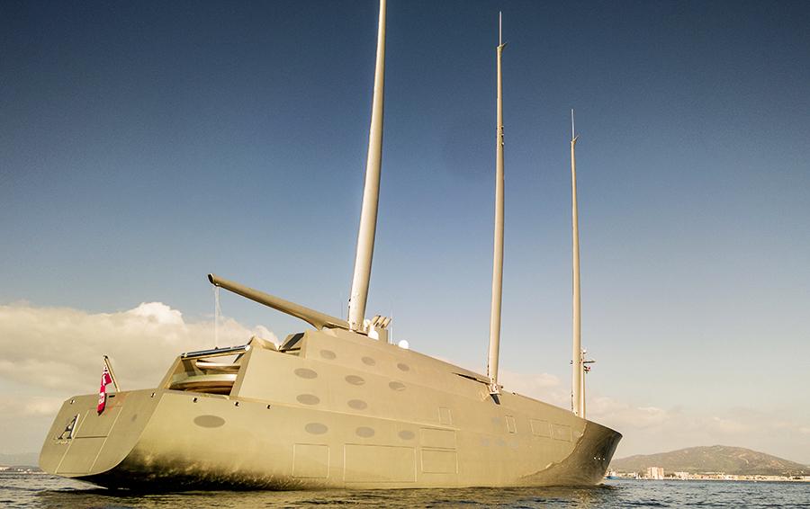 Проблема Мельниченко: бизнесмен передумал продавать старую яхту
