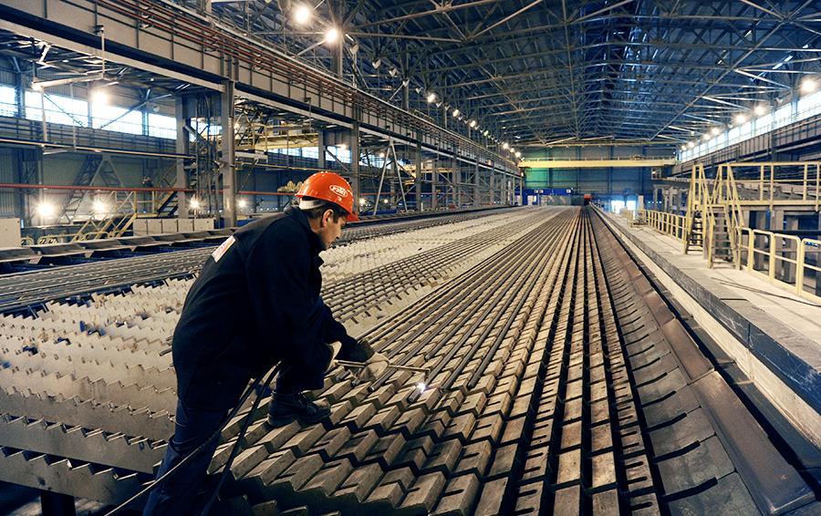 Стальные нервы. Почему металлурги Варшавский и Зюзин заваливают друг друга миллиардными исками