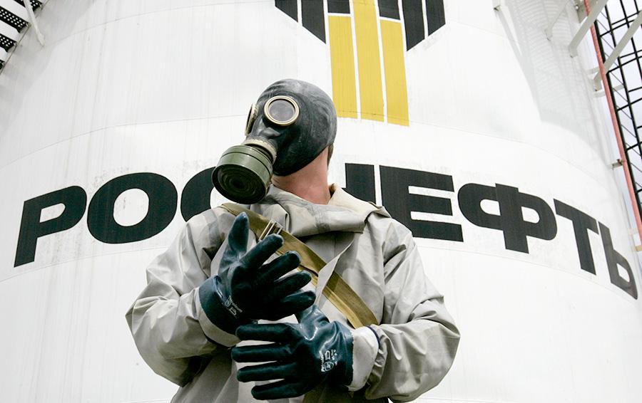 Сухой паек: нефтегазовые гиганты не могут найти альтернативу западному финансированию