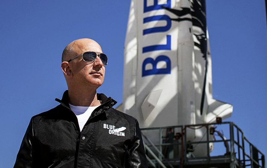 Джефф Безос получил премию Базза Олдрина за инновации в космической отрасли