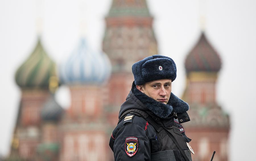 Коммерсант под крышей: как чиновники и силовики помогают бизнесу в России