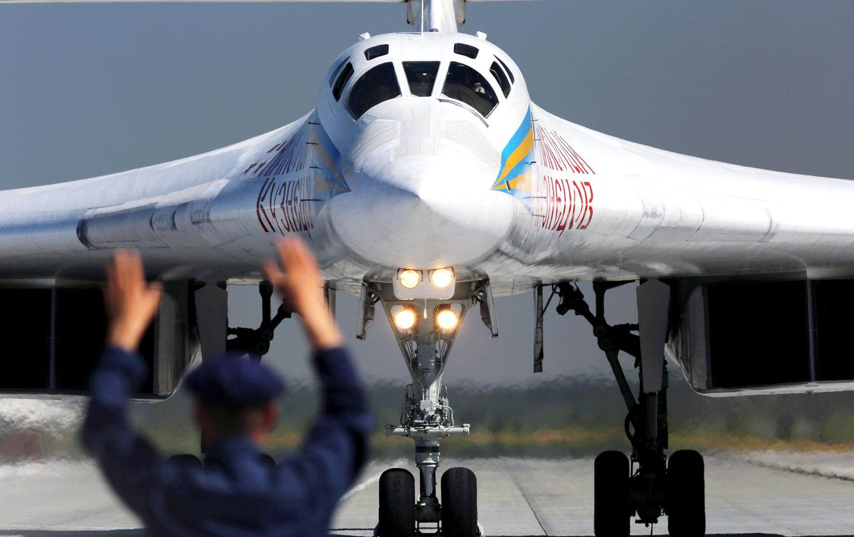 В ожидании оттепели: чем занять авиапром по окончанию новой холодной войны