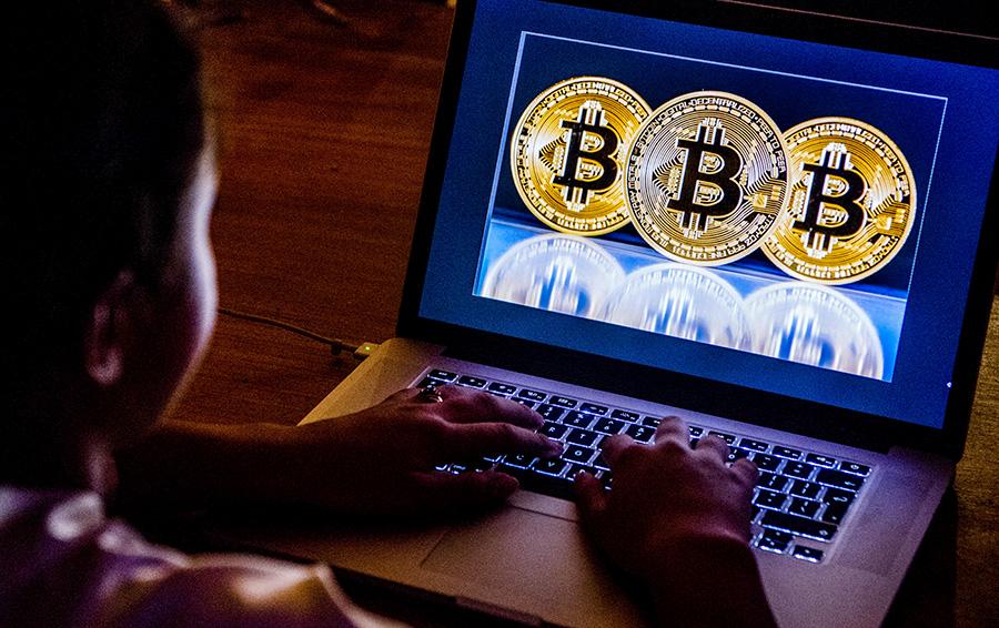 Возле биткоина: для каких компаний опасен конец криптохайпа