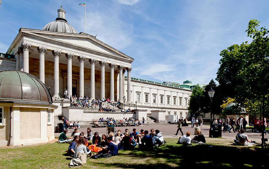 24 часа в университетской библиотеке Британии: чем заняться в тишине