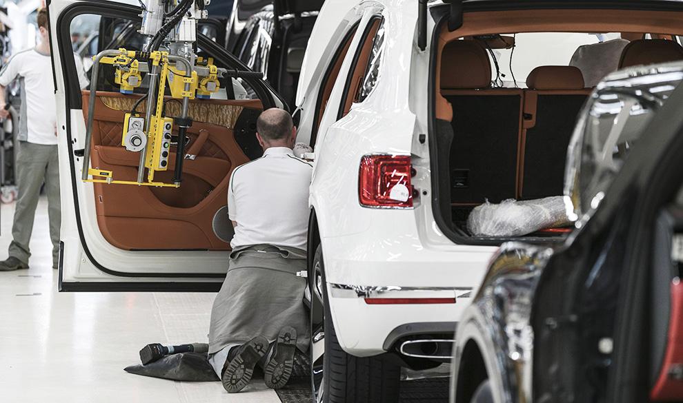 Отдел элитных кадров: в чьих руках окажутся машины Bentley