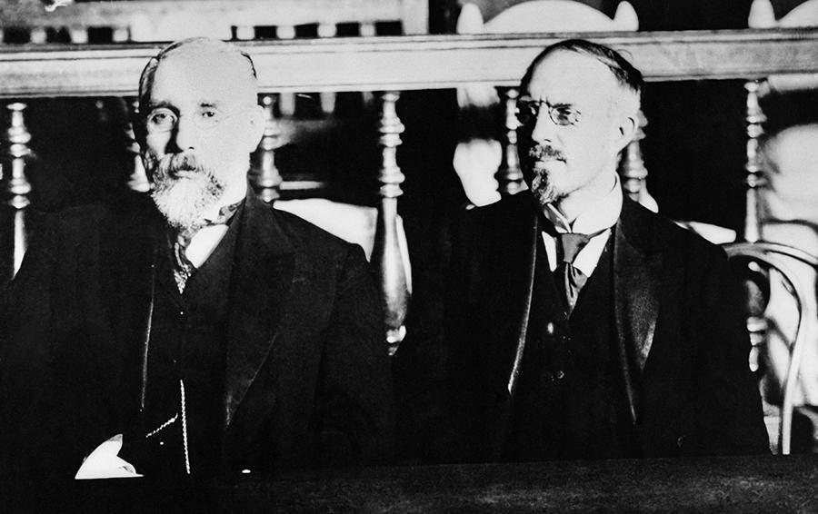 Павел Рябушкинский (справа) во время Всероссийского промышленного съезда