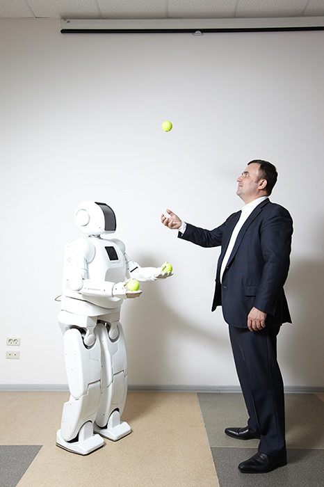 На разработку роботов Александр Пермяков тратит сотни миллионов рублей