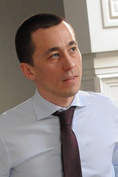 Максим Воробьев сначала продавал рыбу, потом выращивал, а теперь ее ловит