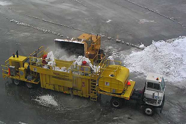 Снегоплавильные машины впервые начали использовать в Торонто
