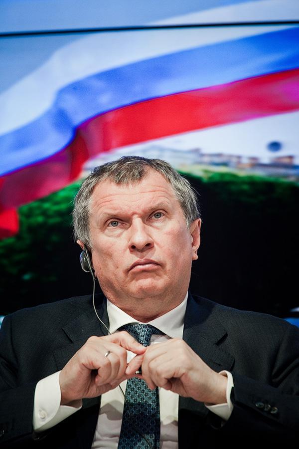 Игорю Сечину несложно переманивать газпромовцев: в «Роснефти» высокие зарплатные «потолки»