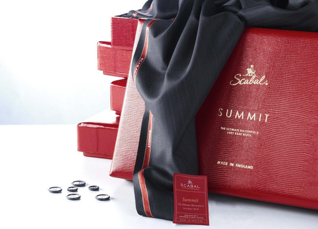 Самая тонкая в мире ткань «Summit» Super 250's от Scabal в салонах «ТИССУРА»