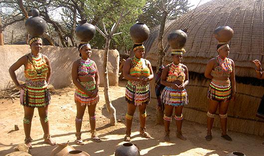 Местные племена - зулусы.