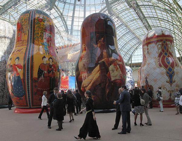Русская национальная выставка в Париже - первый и последний проект Садофьевых и Краснова.
