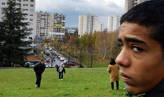 Районы HLM во Франции зачастую заселены мигрантами.